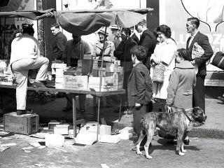 market life at portobello road London 1950s