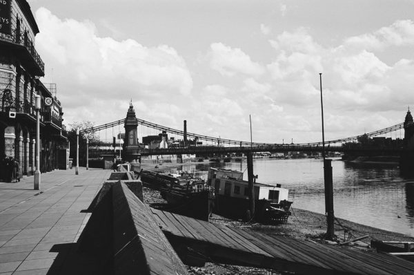 River thames dock 1950s black and white picture